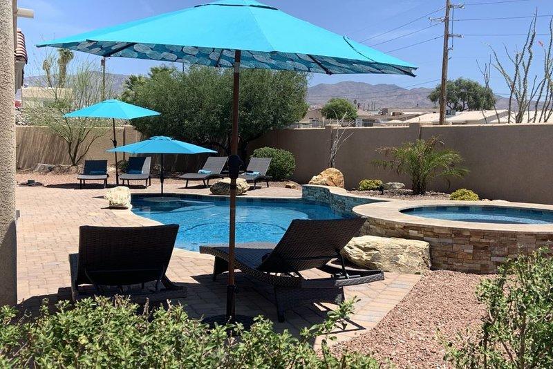 Beautiful New Home With Pool & View!!, casa vacanza a Lake Havasu City