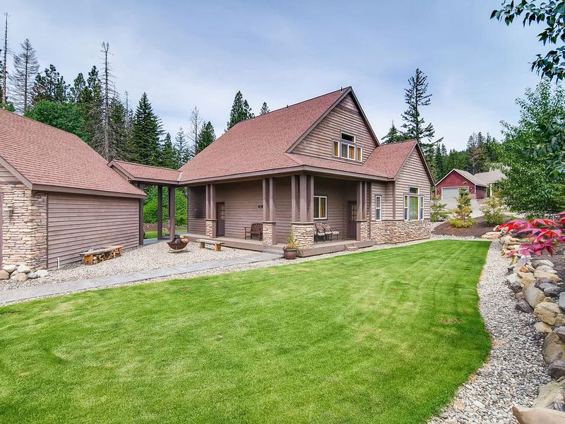 SAVE in APRIL! Luxury Mtn Home_Hot Tub_HTD Game RM_Shuffle Board_Pet Friendly, casa vacanza a Cle Elum