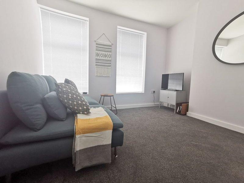 ⭐️ Gordon Road Apartment 2 by Switchback Stays, location de vacances à Rogerstone