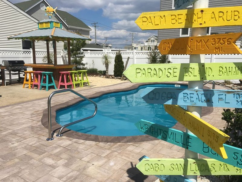Family Friendly,  Ocean Block, Heated Pool, And Close To Everything, vacation rental in Ship Bottom