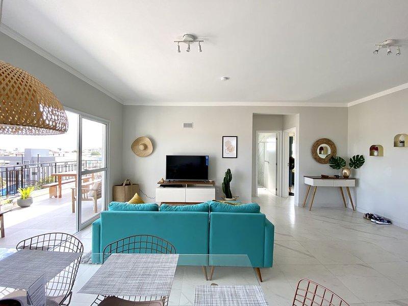 Bromelia House cobertura com vista panaromica de 180 graus, vacation rental in Santinho
