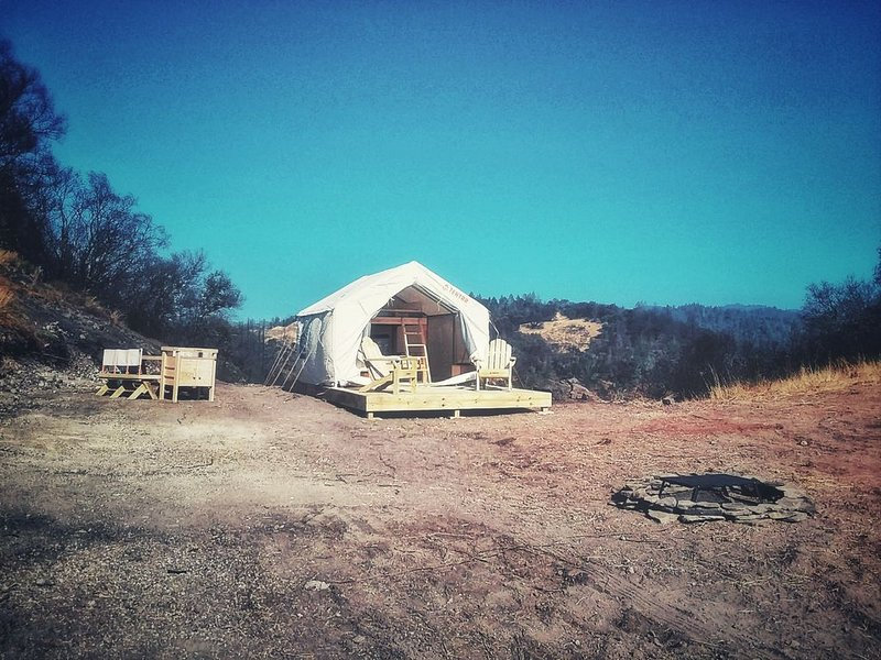 Tentrr Signature Site - Mystic Mountain Petrified Camp, holiday rental in Calistoga