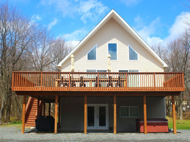 Sleeps 24 with Hot Tub,Pool table,and Shuffle board – semesterbostad i Albrightsville