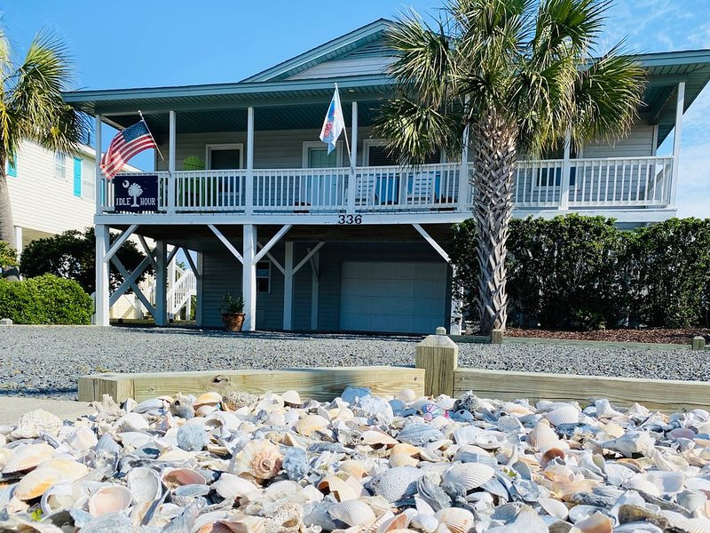 'IDLE HOUR' 2 HOMES FROM BEACH ACCESS, SAVOR OCEAN BREEZES (2nd ROW), location de vacances à Supply
