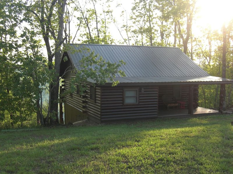 Appleseed Cabin in the Ozarks, location de vacances à Mount Judea