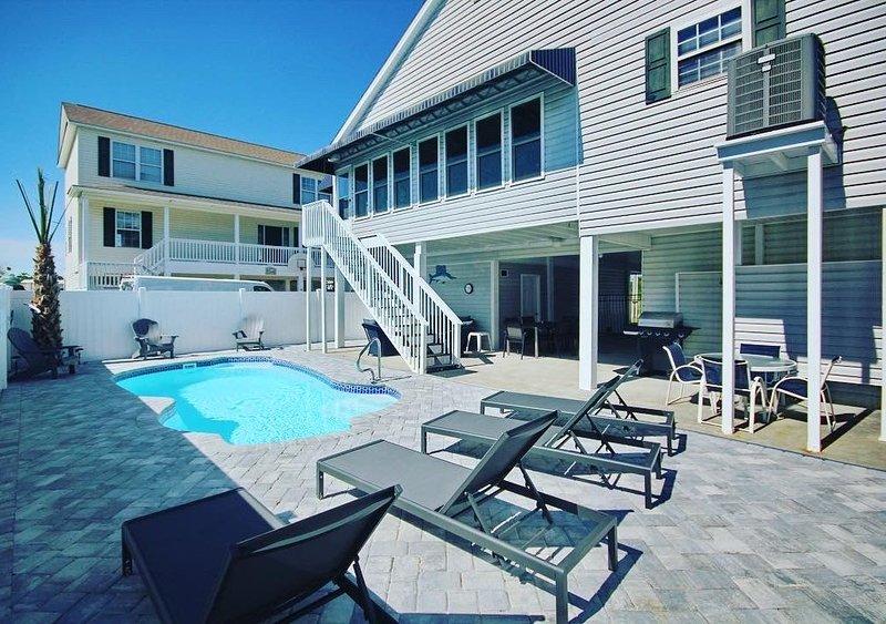 Cherry Grove/North Myrtle Beach Luxury Vacation Home, Private Pool, Pet Friendly, alquiler de vacaciones en North Myrtle Beach
