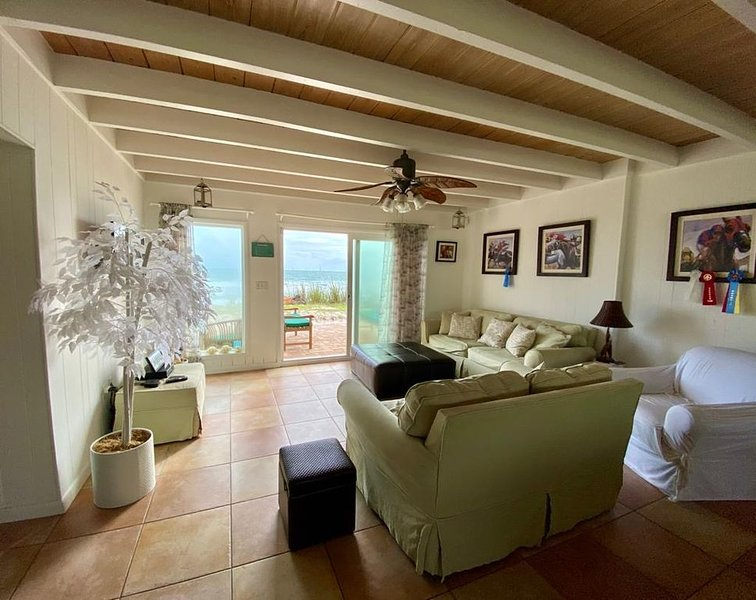 Peaceful home directly on Private Beach, vakantiewoning in Micco