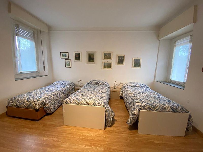Intero appartamento per 3 persone sul lago di Pusiano, location de vacances à La Valletta Brianza