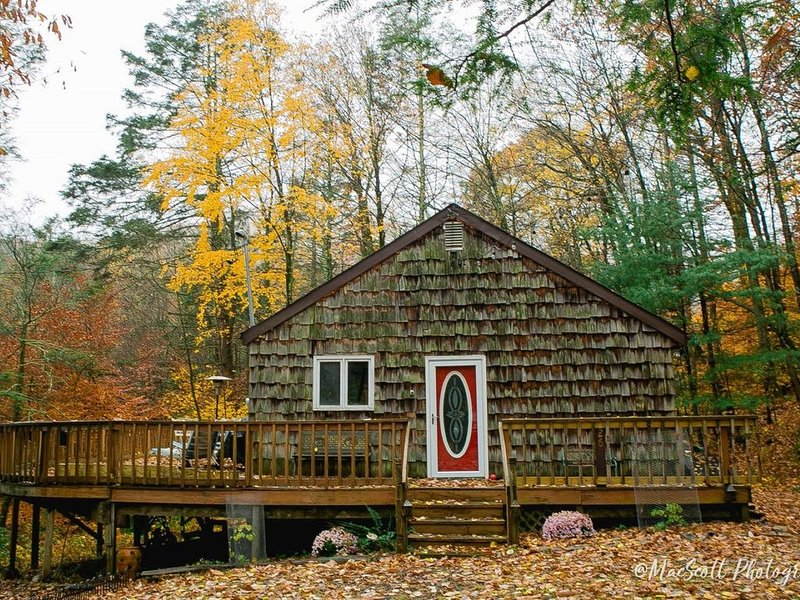 Enjoy the beauty of spring in the Catskills near New Paltz, casa vacanza a Samsonville