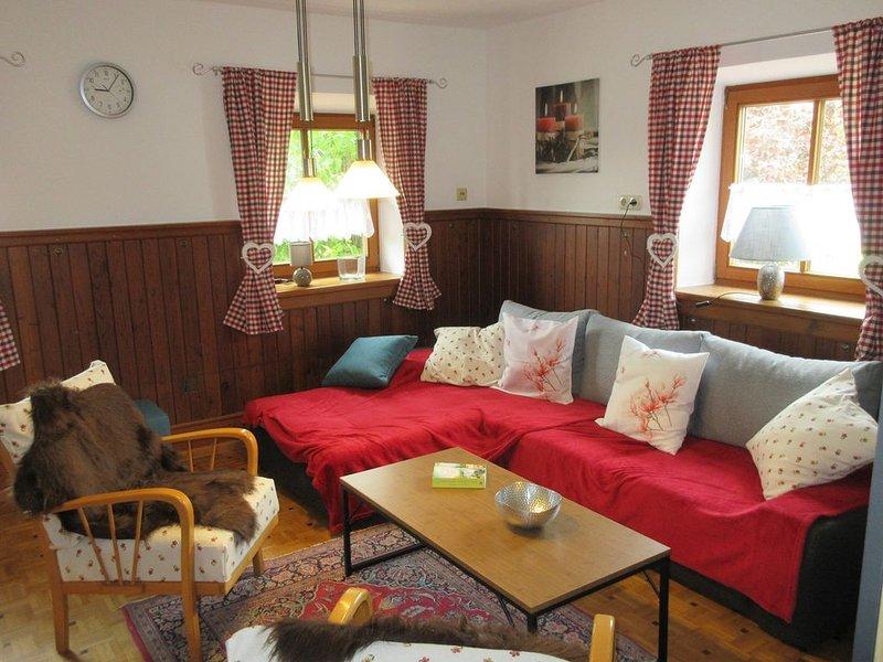 Ferienhaus für 12 Personen, 6 SZ, Blick in Berchtesgadener- u. Chiemgauer Alpen, holiday rental in Kastl