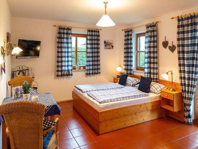 Lavendel-Appartement, 26 qm Erdgeschoss, kombinierter Wohn- und Schlafraum – semesterbostad i Prien am Chiemsee