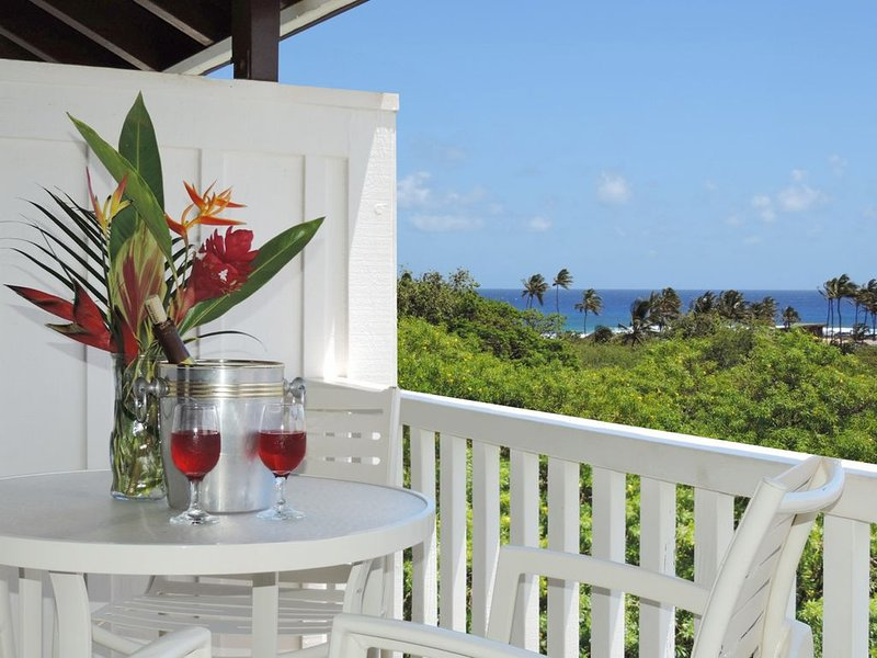 Kiahuna Plantation partial ocean view,top floor,4 min walk to beach+fitness+pool, Ferienwohnung in Koloa