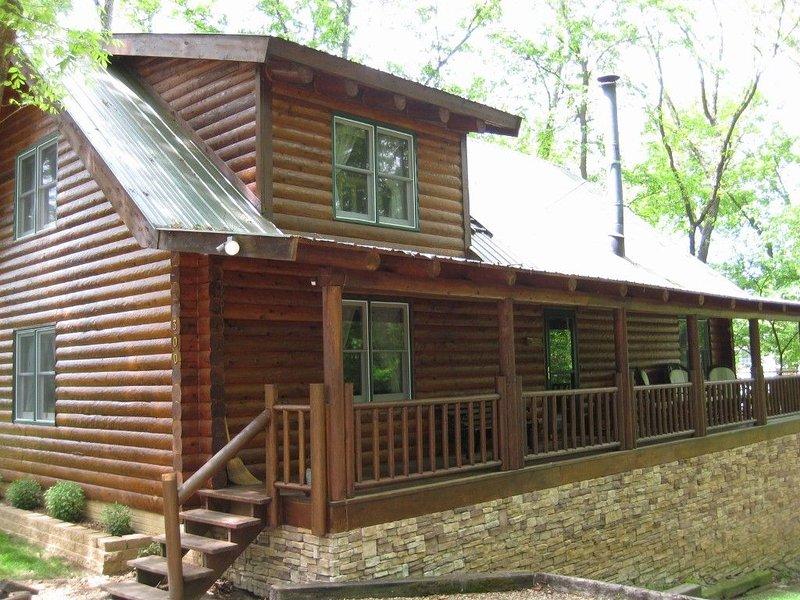 3200 Square Foot Log Home Near Branson!, alquiler de vacaciones en Branson