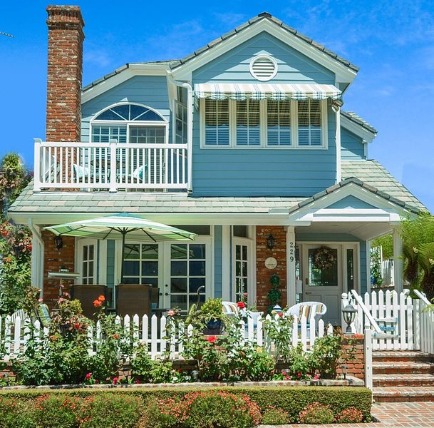 Sensational Balboa Island Home. Great Amenities. Quiet Location. Garage, alquiler de vacaciones en Balboa Island