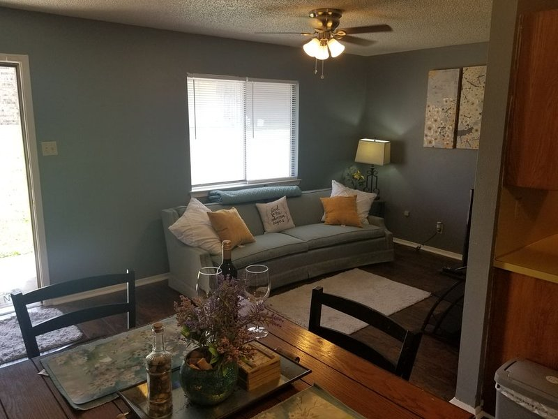 1 Bed, Seabreezerain, Complimentary Wine, holiday rental in Harker Heights