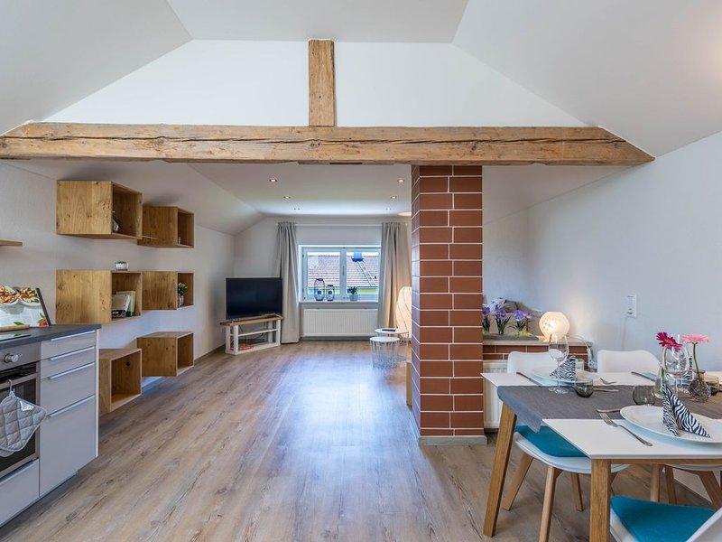 Modernes Apartment Linde mit Seeblick, Bergblick, WLAN, Garten und Terrasse; Par, location de vacances à Trostberg an der Alz