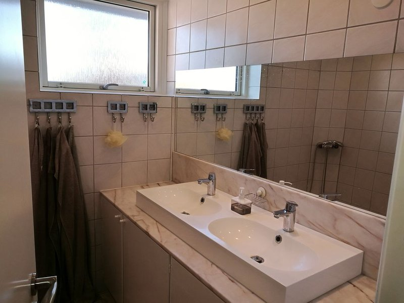 Lovely house 5 min to the beach and 20 min to Copenhagen, Ferienwohnung in Roskilde