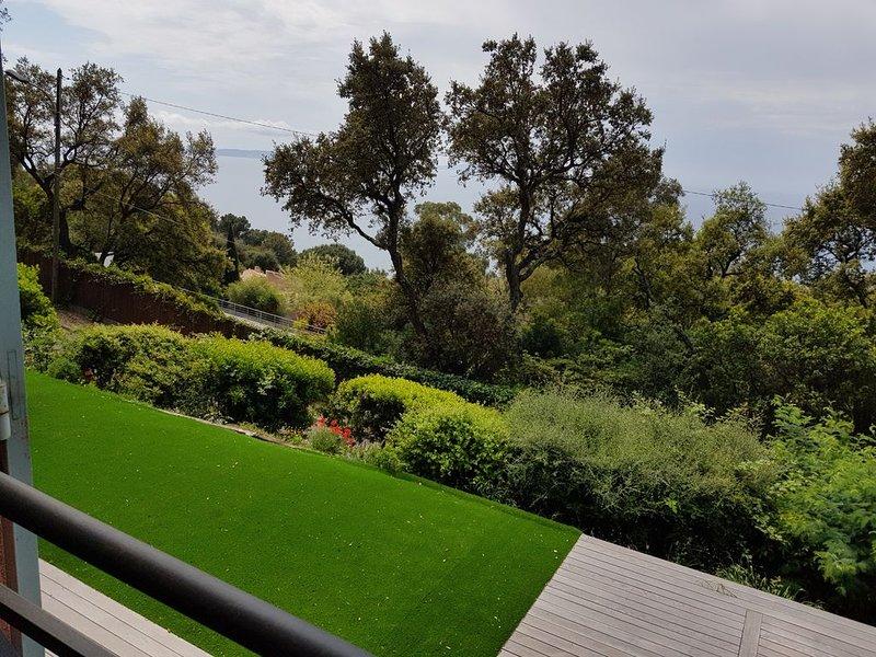 Villa vue mer avec piscine, casa vacanza a Rayol-Canadel-sur-Mer