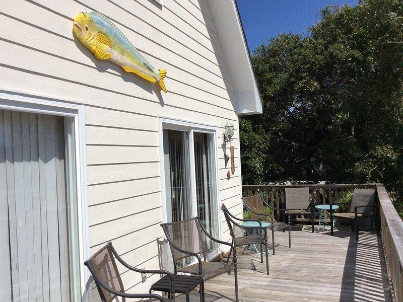 Hang Out at Hang Ten. 3 Bedrooms, 2 baths, vacation rental in Emerald Isle
