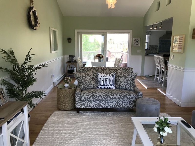 Renovated Hamptons Heaven For Family Vacations By The Ocean - City Escape, Ferienwohnung in Southampton