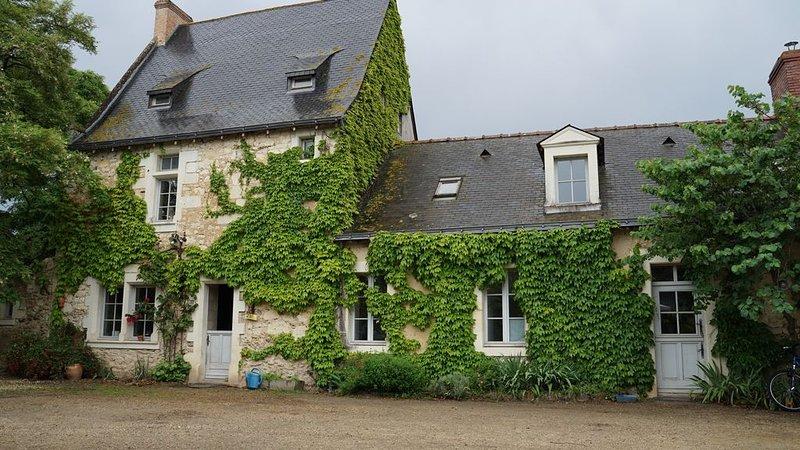 TRÈS BEAU GITE AVEC BAIN NORDIQUE AU FEU DE BOIS , 15mns D'ANGERS, holiday rental in Chateauneuf-sur-Sarthe
