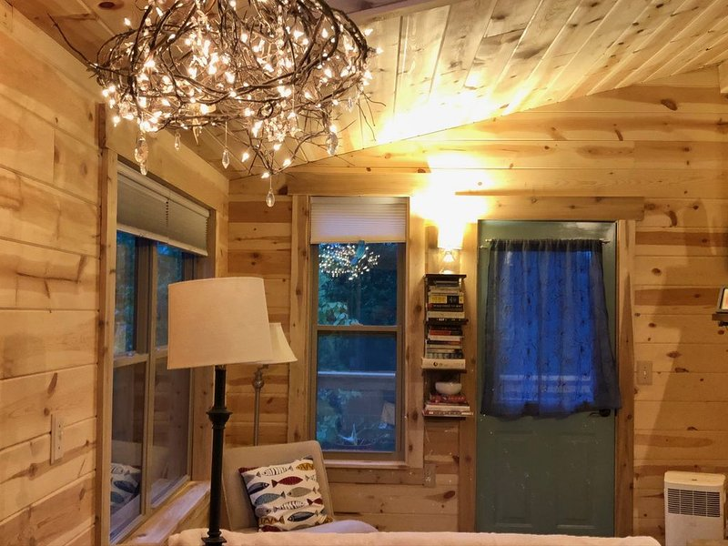 New Jaybird Treehouse, holiday rental in Cobden