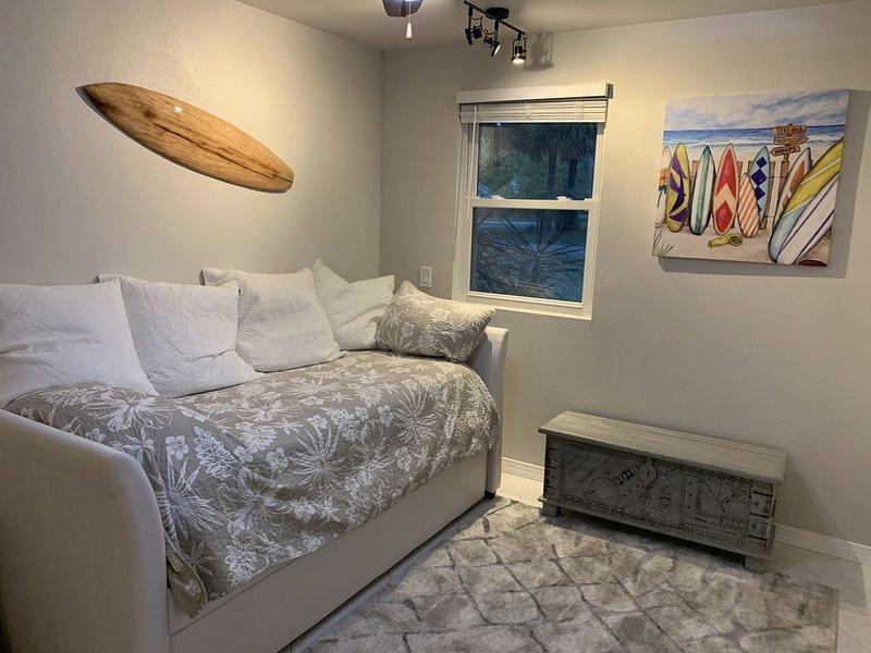 Riverfront Luxury Hideaway, vakantiewoning in Micco