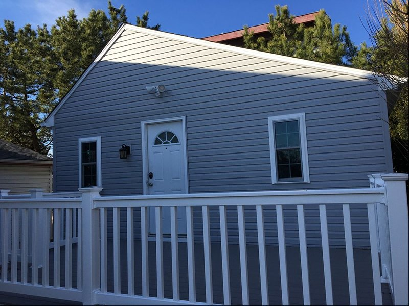 Bay Front Cottage in Historic Townbank, holiday rental in North Cape May