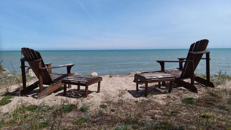 Romantic getaway or cozy and relaxing vacation right on Lake Michigan!, location de vacances à Kohler