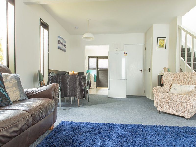 Central Blue Gum Apartments - Gecko #7 - 5 min flat walk to town, vacation rental in Queenstown