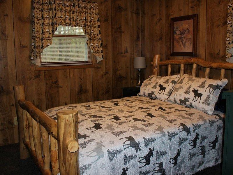 Cozy Lakefront Cabin--Crivitz, alquiler vacacional en Wausaukee