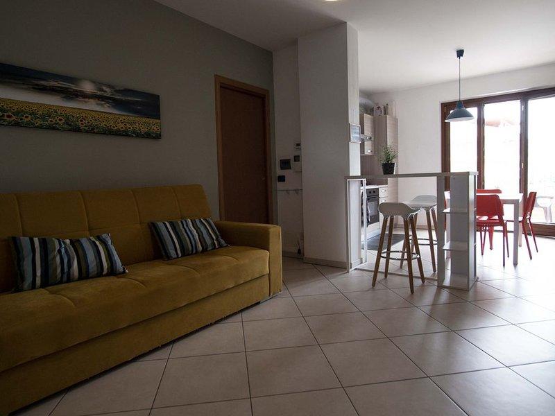Appartamento nuovo e vicino al mare, con garage, vacation rental in Tortoreto