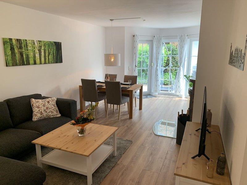 4-Sterne Ferienwohnung Dr. Eisenbart, stadtnah mit eigener Terrasse und Garten, aluguéis de temporada em Niestetal