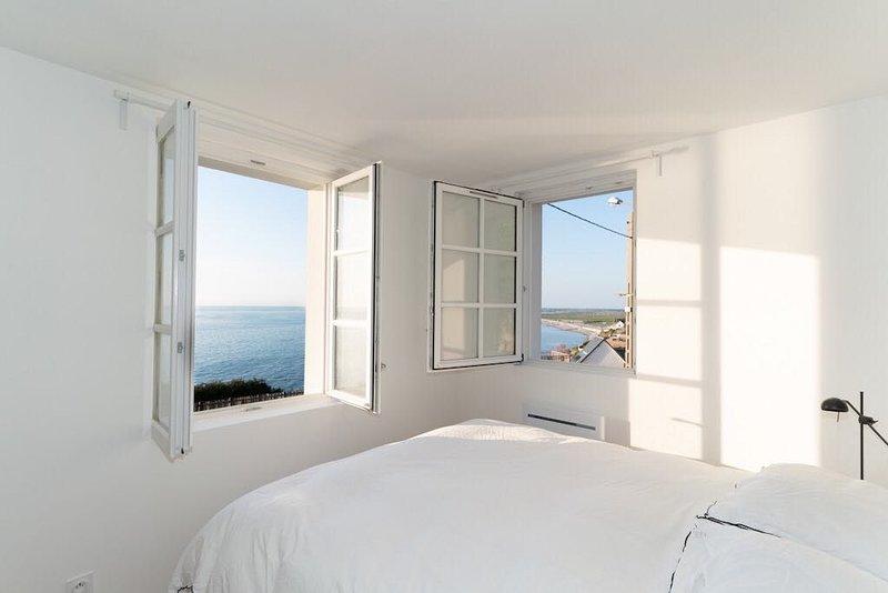 Brise du Large, Maison d'Ault - Propriété de charme sur une falaise., holiday rental in Saint-Quentin-la-Motte-Croix-au-Bailly