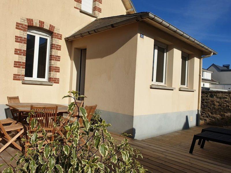 Maison de bord de mer classée 3*, vacation rental in Gouville-sur-Mer