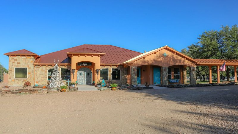 Adobe House, just  escape to your own private get away in the TX hill country., holiday rental in Blanco