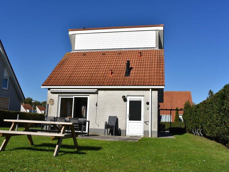 Freistehende Ferien-Villa, ruhige Lage und in Strandnähe, holiday rental in Brouwershaven