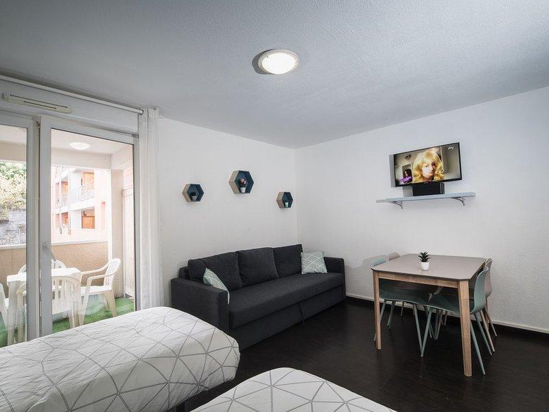 Studio 30 m2 ★ Balcon ★ Parking ★ Wifi, casa vacanza a Aspin-en-Lavedan