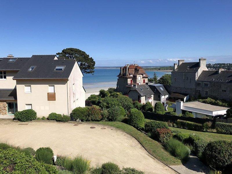 Situé dans une résidence au calme, agréable appartement T2 avec jolie vue mer po – semesterbostad i Saint-Cast le Guildo
