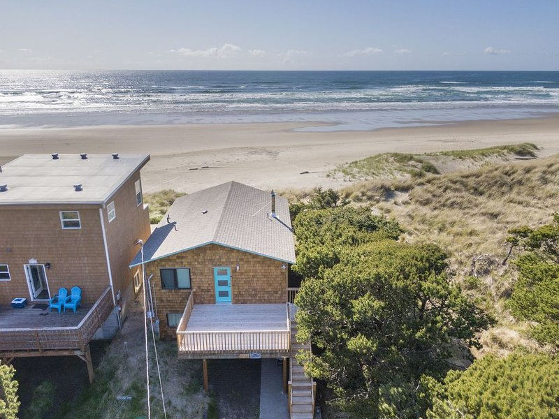 Ocean Annie #128 - oceanfront cabin, great views and direct beach access in Tier, casa vacanza a Cloverdale