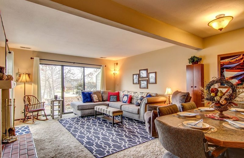 C61 The Lions Den  The Lions Den by Innsbrook Vacations, holiday rental in Innsbrook
