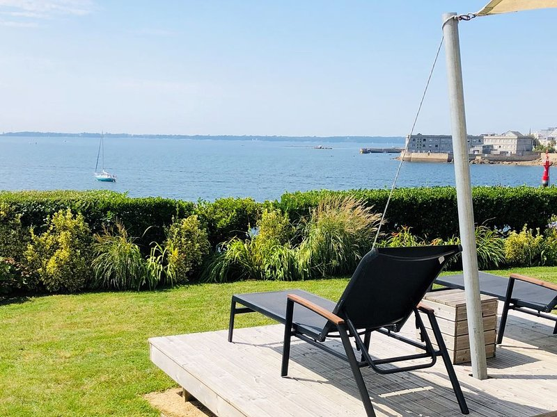 APPARTEMENT VUE MER PANORAMIQUE EXCEPTIONNELLE - Accès direct, holiday rental in Concarneau