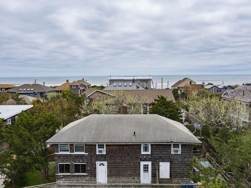 3 Homes away from the Beach! Large enough for a big Family...., holiday rental in Fire Island Pines
