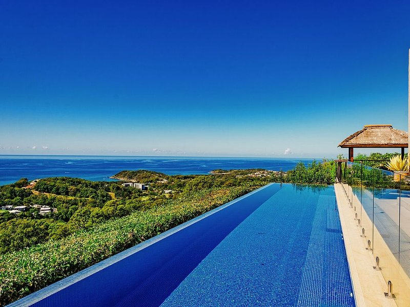 Villa Vivante private with amazing ocean views, vacation rental in Brooklana
