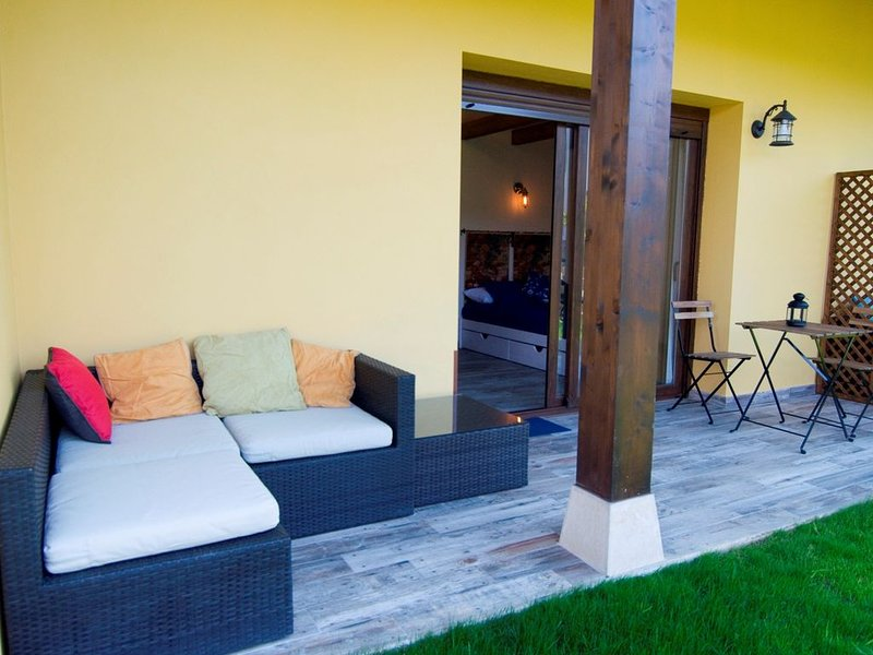 ECOviella  - SUMICIU (2+1pax) ¡INAUGURACION Jun2020!, holiday rental in Romillo