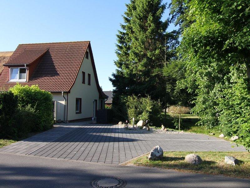 ZENO II (zentral, strandnah UND ruhig gelegen), casa vacanza a Bresewitz
