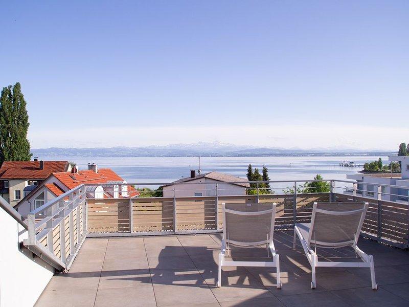 Penthouse SEE-FLAIR Traumhafte Ferienwohnung mit grandioser See-/ und Alpensicht, casa vacanza a Markdorf
