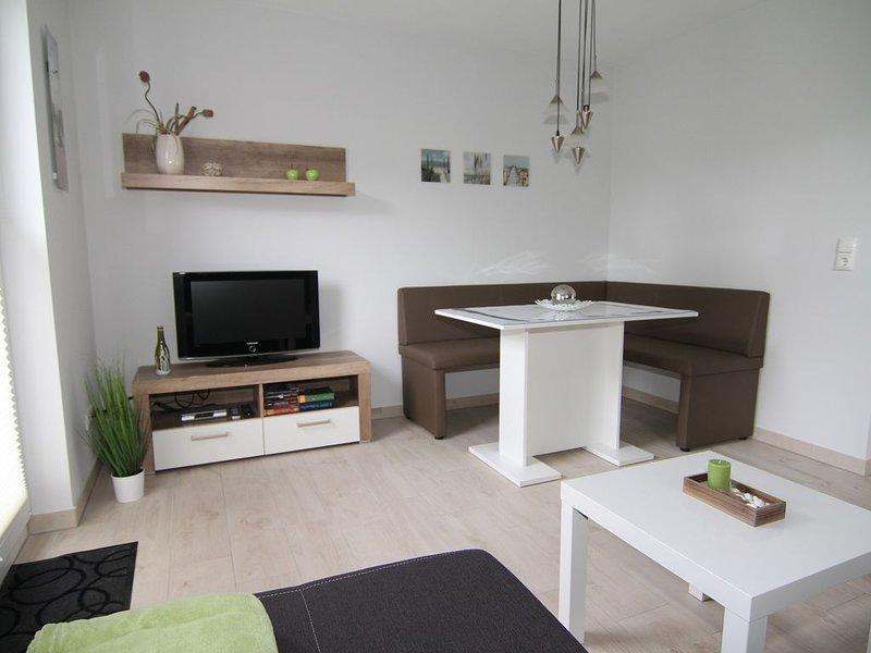 ZENO I (zentral, strandnah UND ruhig gelegen), vacation rental in Zingst