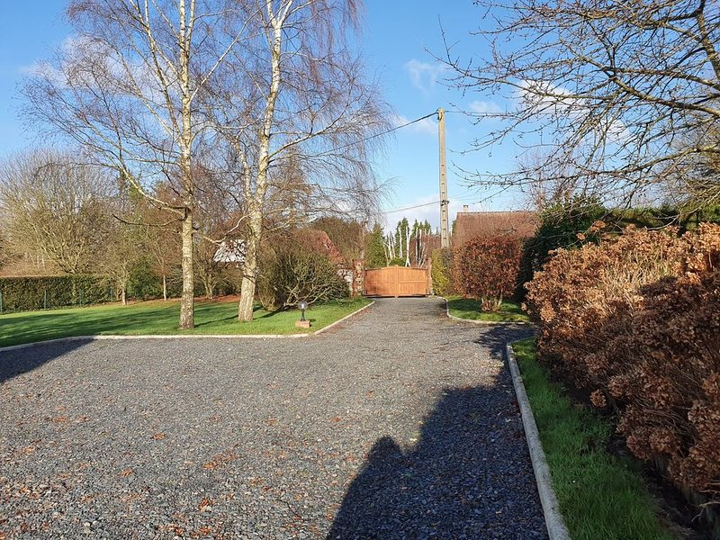 Maison,grand jardin, 5min plage de Honfleur voiture, 4 a 6p, Ferienwohnung in Gonneville-sur-Honfleur