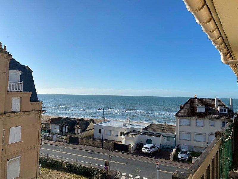 Appartement 4 personnes avec terrasse vue mer - calme et lumineux - accès plage, casa vacanza a Bourgeauville